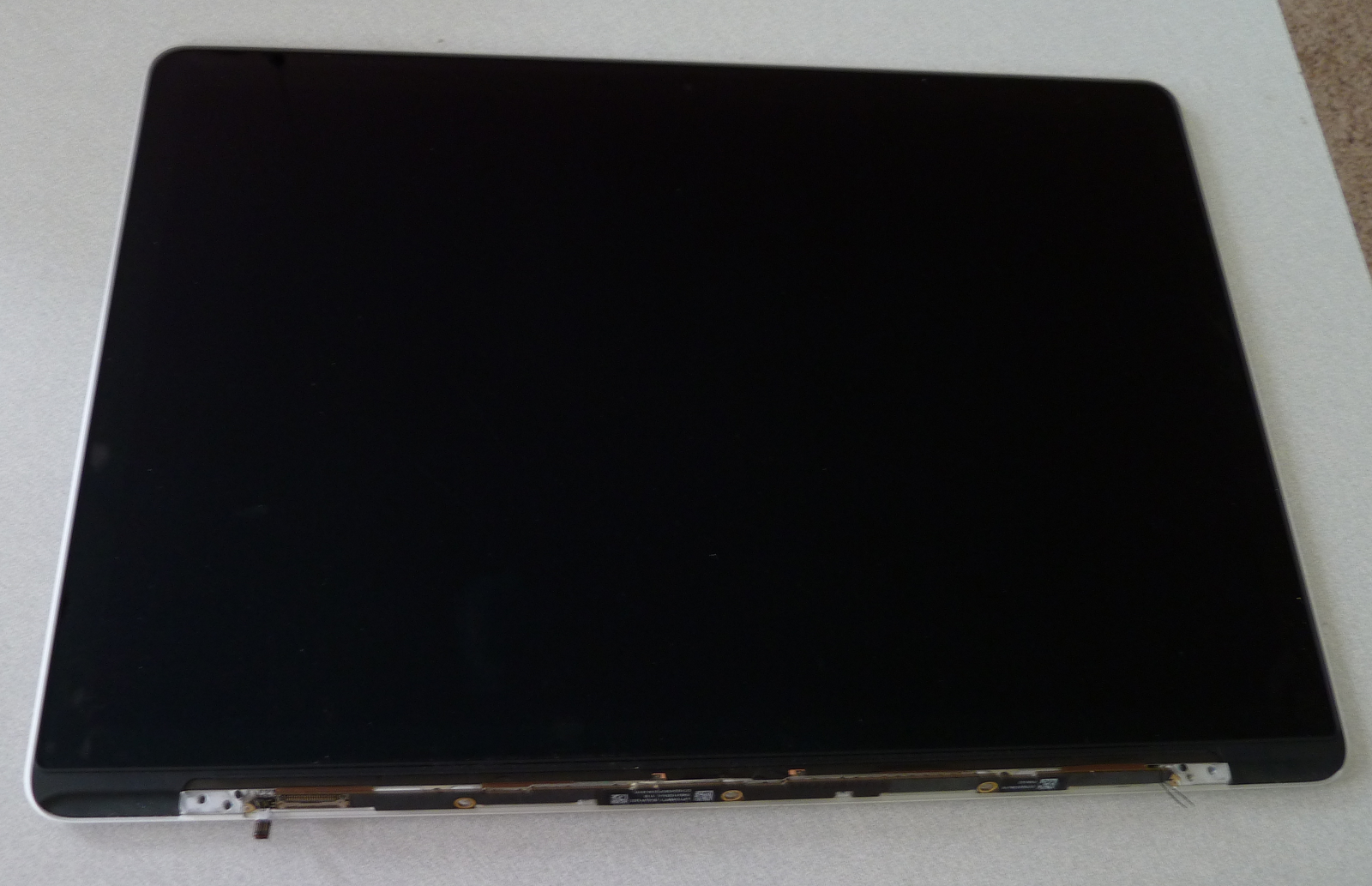 Hacking the Macbook Pro Retina LCD, Part 1: First Looks | Mike's Mods